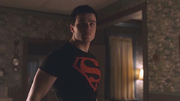 Titans S2 - Conner Kent / Superboy (รับบทโดย Conner Kent)