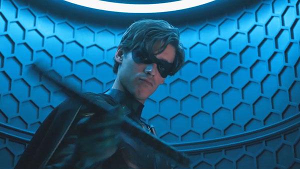 Titans S2 - Dick Grayson / Robin (รับทโดย Brenton Thwaites)