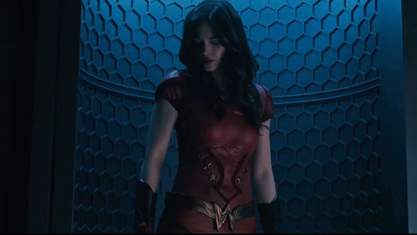 Titans S2 - Donna Troy / Wonder Girl (รับบทโดย Conor Leslie)