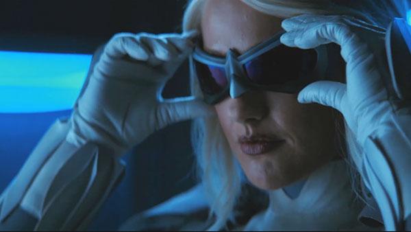 Titans S2 - Dawn Ganger / Dove (รับบทโดย Minka Kelly)