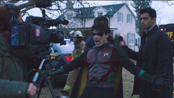 Titans S2 - Jason Todd / Robin II (รับบทโดย Curran Walters)