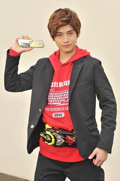 Takahashi Fumiya รับบทเป็น Hiden Aruto / Kamen Rider Zero-One